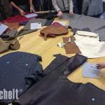 eine Auswahl der verwendeten Stoffe und Leder